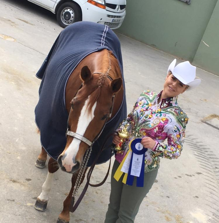 Melina after the AQHA Amateur Showmanship, picture taken by Mark Shaffer