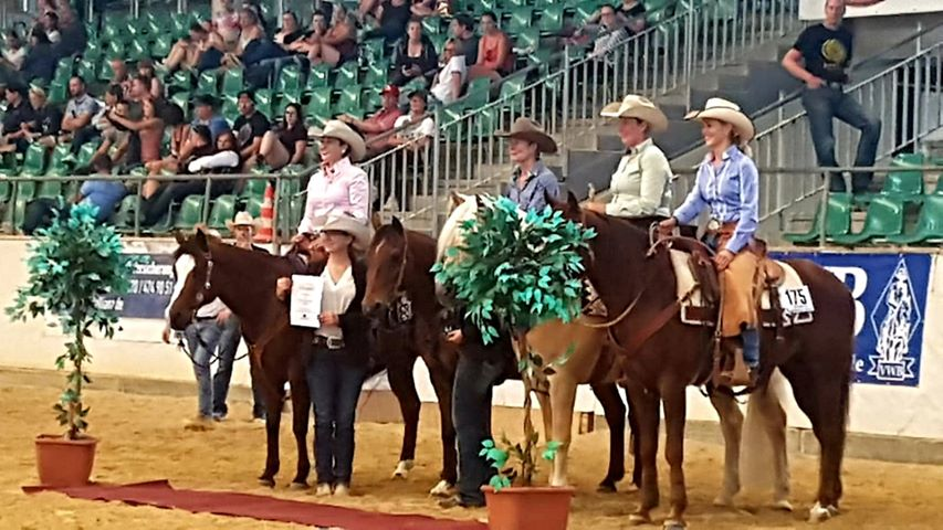 Sabrina (left) during the awards presentation of the Golden Series Ranch Riding finals.